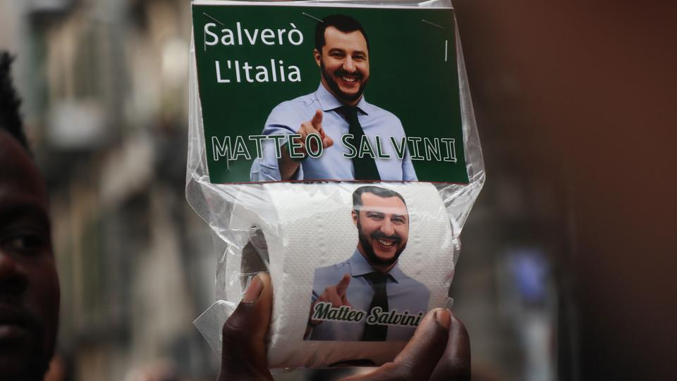 La carta igienica 'dedicata' a Salvini ©
