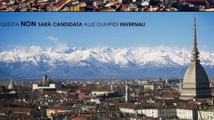 """Olimpiadi 2026, Appendino: """"Battaglia per Torino, votare due candidature"""". Polemica sulla foto postata dalla sindaca"""