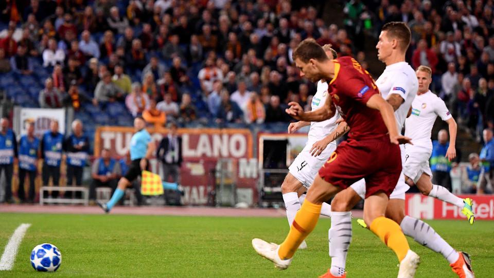 Dzeko è al quarto gol in altrettante partite interne della Roma in Champions ©