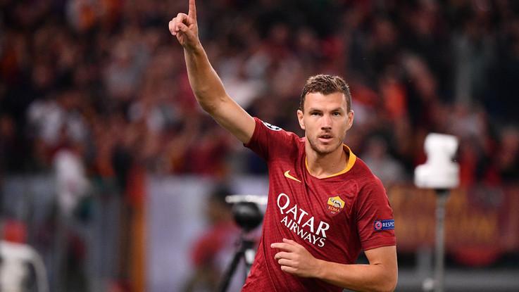 Champions, l'uragano Dzeko si abbatte sul Plzen: la Roma passeggia 5-0