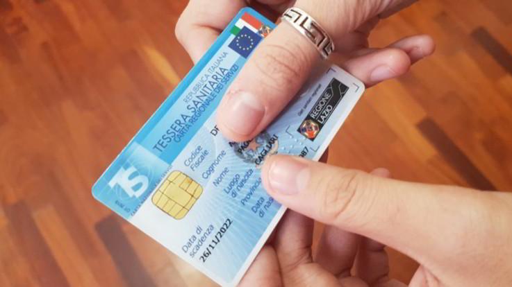 Manovra, reddito cittadinanza per beni essenziali: controlli Gdf anti-abusi