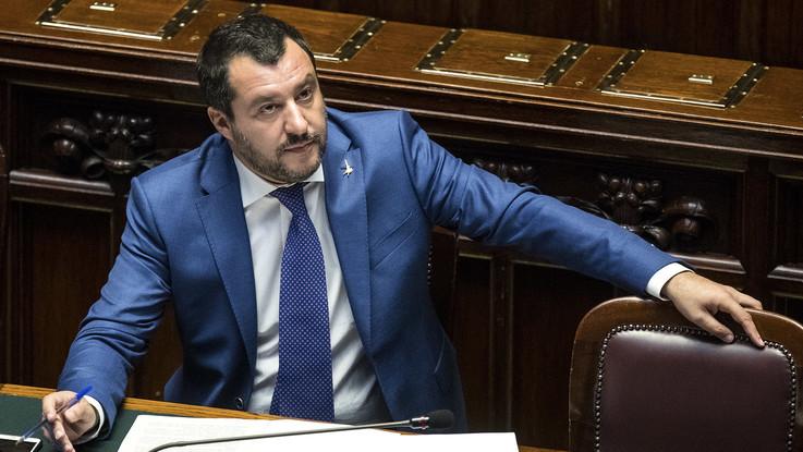 """Manovra, Salvini: """"Otto miliardi per il reddito di cittadinanza"""". Di Maio ne aveva annunciati 10"""