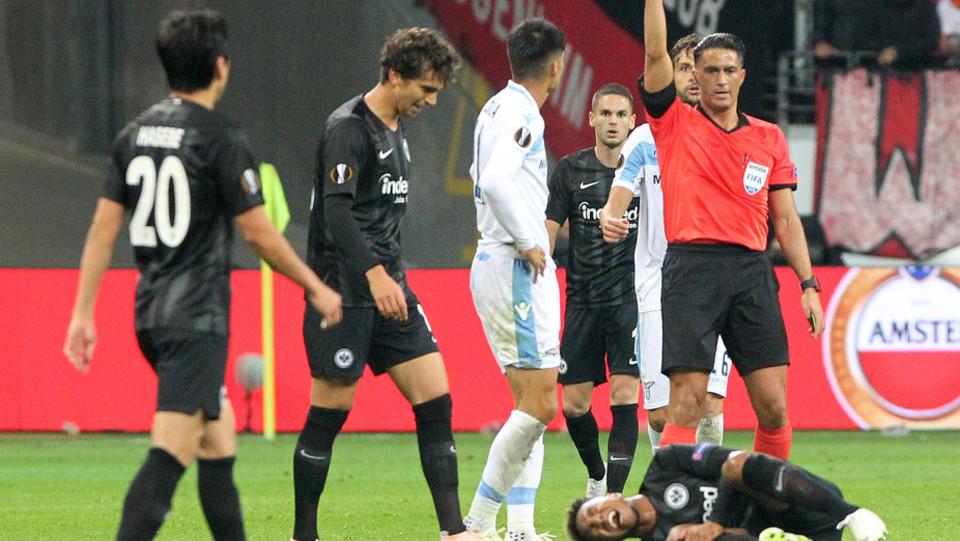 Correa si becca il cartellino rosso per un'entrata da codice rosso sulla caviglia di De Guzman ©
