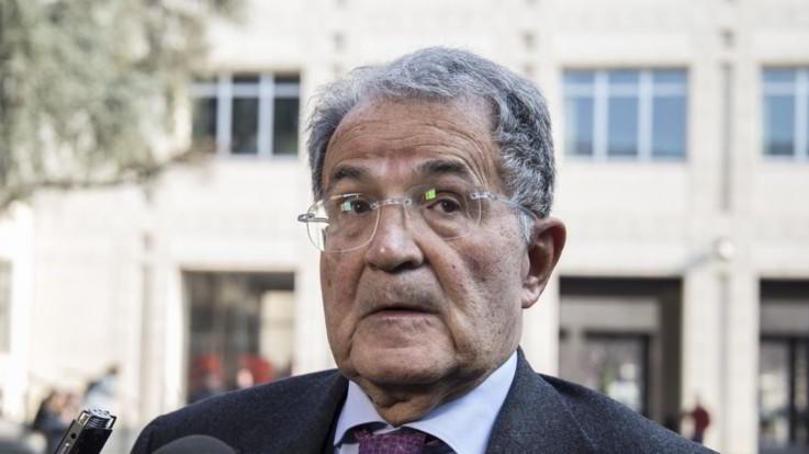 """Governo, Prodi: """"L'Italia rischia di diventare una democrazia illiberale"""""""