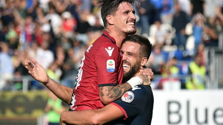 """Serie A, Joao Pedro-Pavoletti: il Cagliari batte """"di testa"""" il Bologna 2-0"""