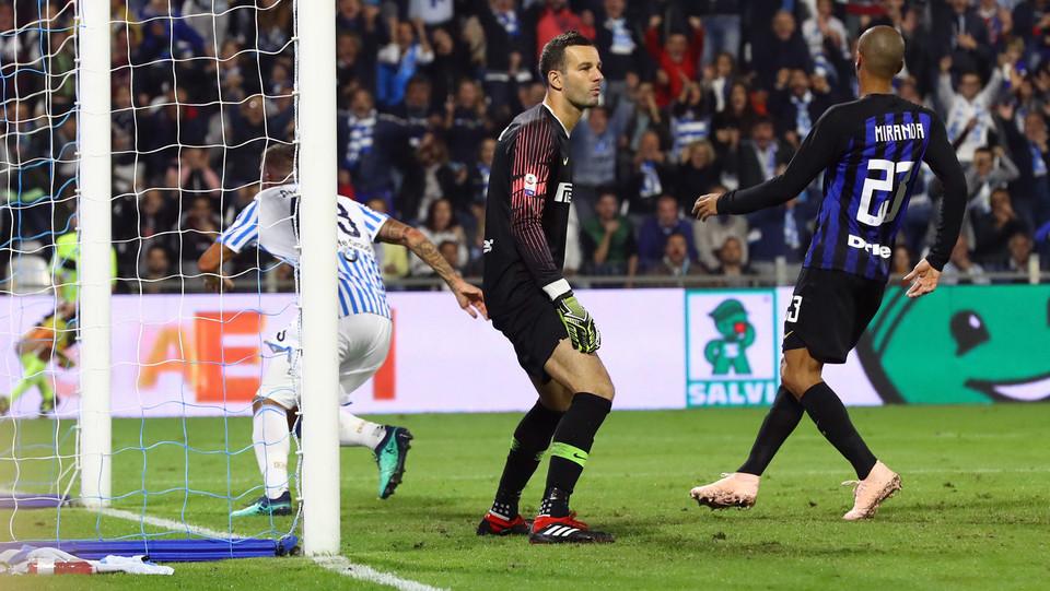 Paloschi (Spal) esulta dopo il gol ©