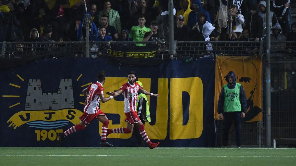 Juve Stabia - Rende Calcio 2-1 - Vivacqua (Rende Calcio 1968) esulta dopo aver segnato la rete dell'1-1 ©