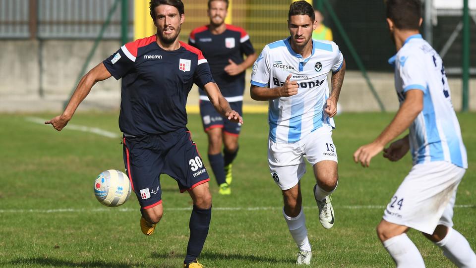 Giana Erminio - Rimini 2-2 - Montanari (Rimini) in azione ©