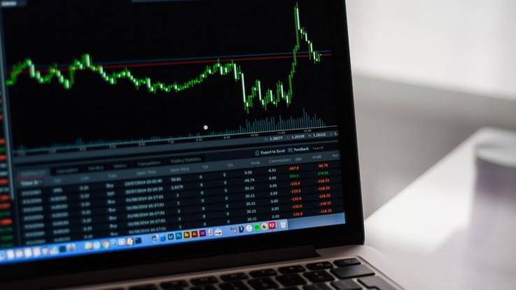 Borsa, spread oltre quota 300. Tasso Btp 10 anni supera 3,5% e Ftse Mib va giù