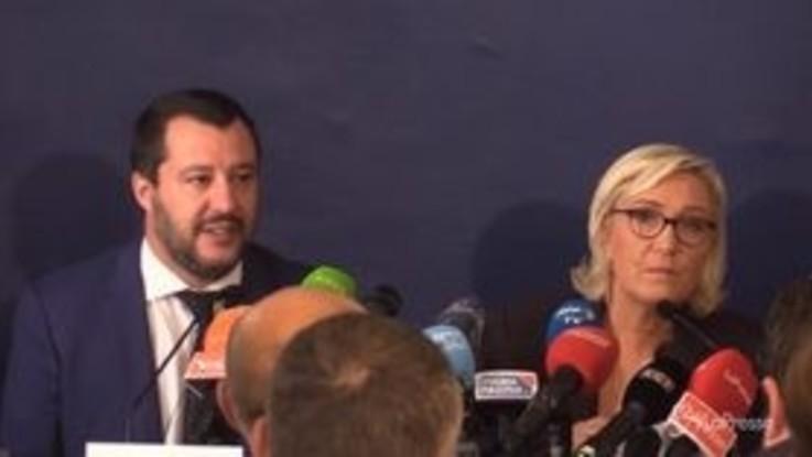 """Salvini incontra Marine Le Pen: """"Siamo noi i salvatori dell'Europa"""""""