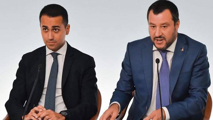 Manovra, è linea dura Salvini-Di Maio contro l'Ue. Savona stempera
