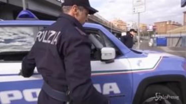 Foggia, calci e pugni alla polizia per liberare un gambiano arrestato