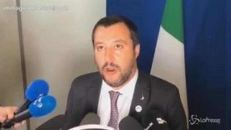 """Migranti, Salvini: """"Altro che razzisti, il modello italiano sta facendo scuola"""""""