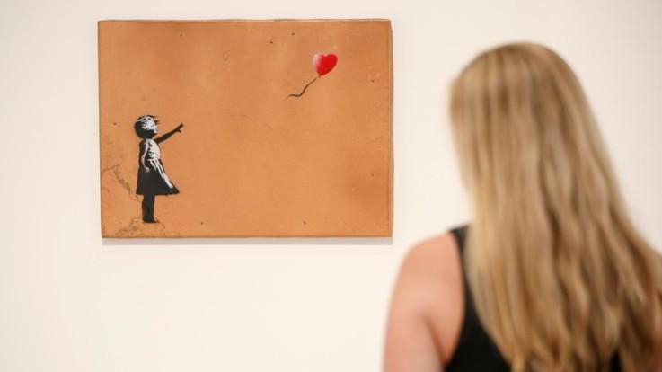Sminuzza stampa di Banksy per diventare milionario: ora vale 1 sterlina
