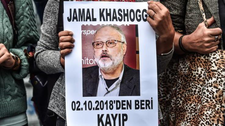 """NYT: """"Giornalista saudita ucciso per volere dei reali e fatto a pezzi con una sega"""""""