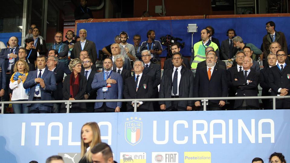 Da Toti a Bucci: gli esponenti politici al Ferraris ©
