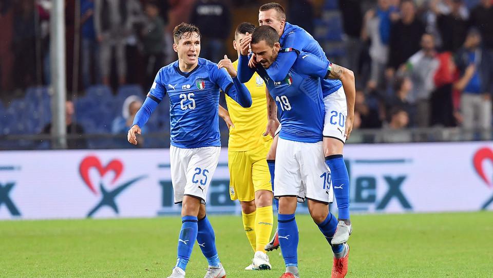 Bernardeschi esulta dopo il gol dell'1-0 ©