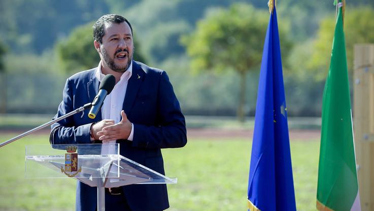 """Decreto Salvini: """"Chiudere entro le 21 i negozi etnici"""""""