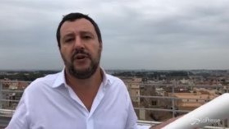 """Salvini da Roma: """"Lì c'è l'Eur, laggiù Latina, ma non posso dirlo che sennò sembro mussoliniano"""""""
