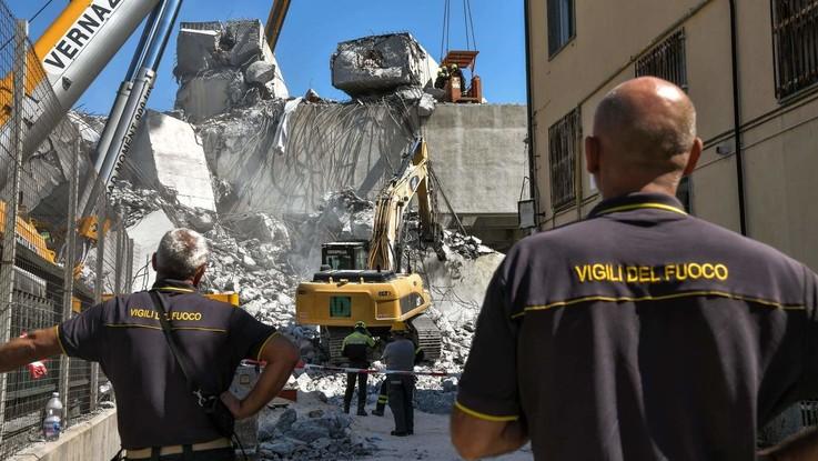 Emendamenti al decreto Genova. Ma la città chiede tempi certi. Calano i traffici portuali