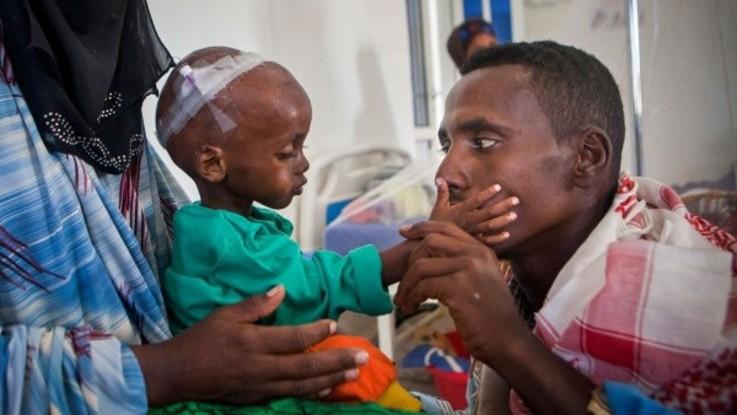 Save the Children. Ogni giorno, nel mondo muoiono di fame settemila bambini