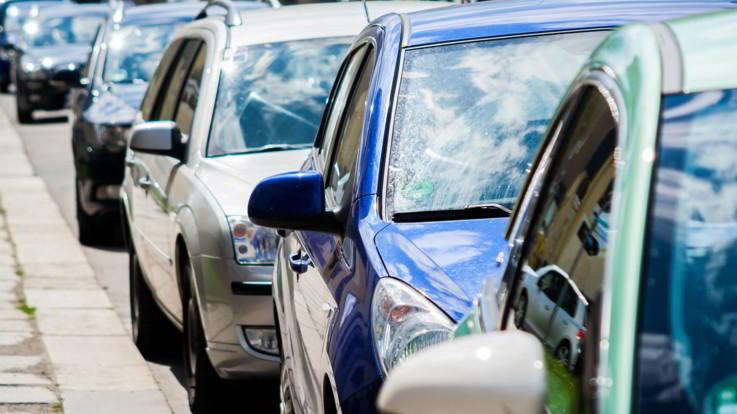 Dai vitalizi delle Regioni alla Rc Auto: le misure del dl 'taglia scartoffie'