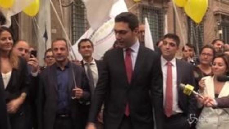 Ok dal Senato al taglio dei vitalizi, festa M5s fuori da palazzo Madama