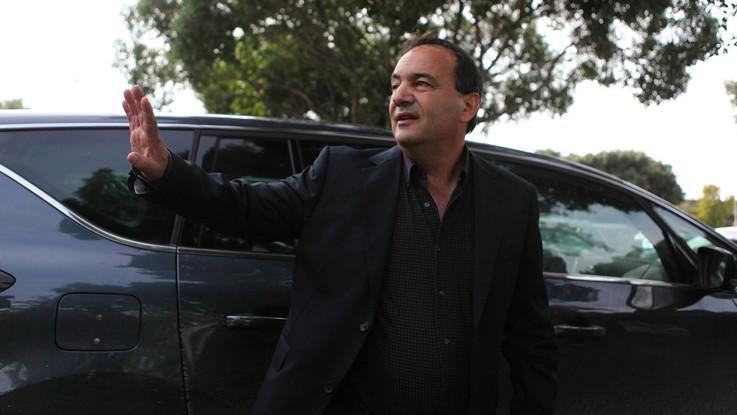 Il sindaco Mimmo Lucano lascia Riace: non può più abitarci. De Magistris lo invita a Napoli