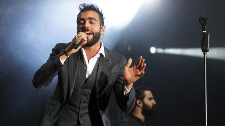 Mengoni torna sul palco, annunciate le prime date del tour: si parte il 27 aprile da Torino