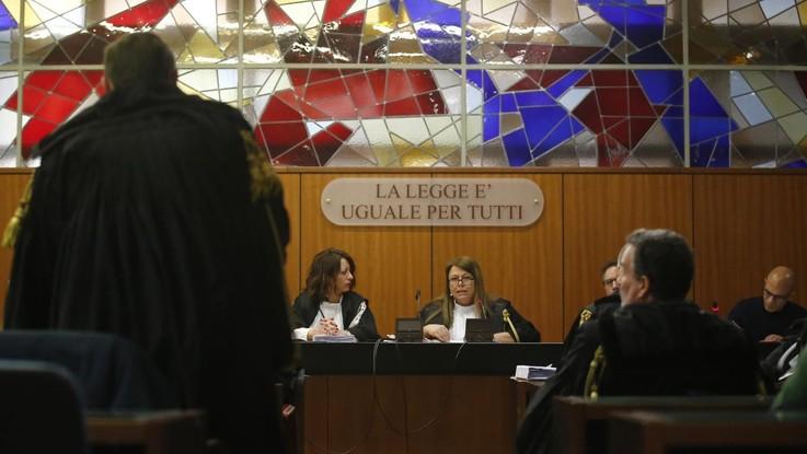 Ostia, maxi inchiesta Spada: prime 3 condanne, per giudice è clan di mafia