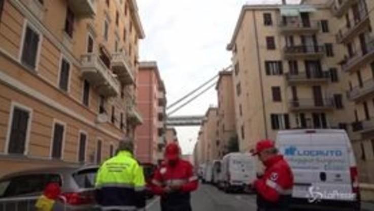 Genova, gli sfollati del ponte Morandi rientrano a casa: le immagini