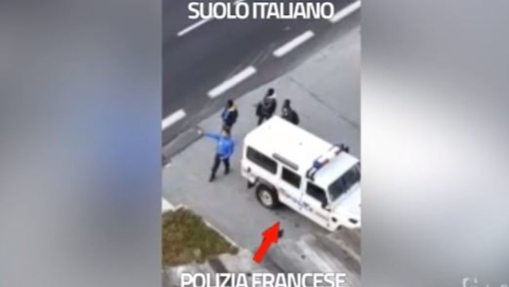"""Migranti 'scaricati' a Claviere, Salvini diffonde un nuovo video: """"Atto ostile. Macron rispondi"""""""