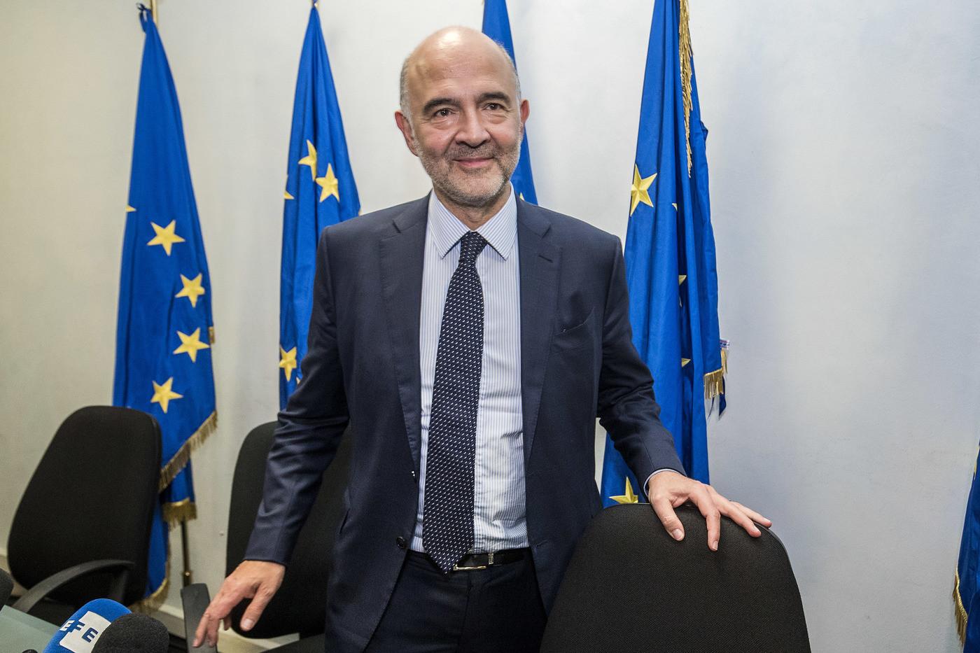 """Manovra, Moscovici: """"Nessun gioco politico contro l'Italia, aspettiamo una risposta"""""""