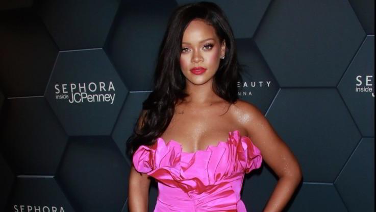 Rihanna dice no al Superbowl: solidarietà a Kaepernick contro Nfl