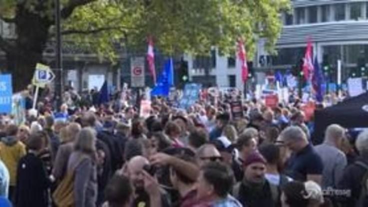 Brexit, Londra in piazza per un nuovo referendum