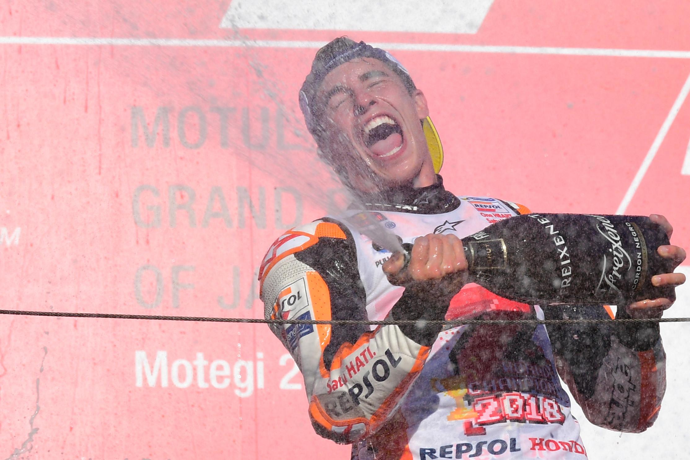 Marquez vince a Motegi e si prende il titolo: i festeggiamenti
