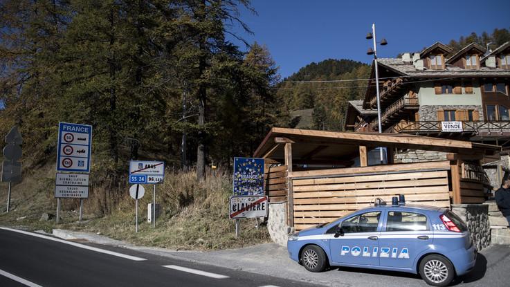 Migranti, polizia italiana al confine: vertice Salvini-Castaner