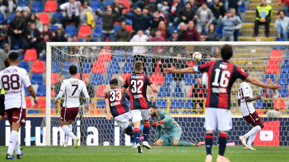 Arturo Calabresi (Bologna F.C.) segna il goal 2-2 e ristabilisce la parità ©