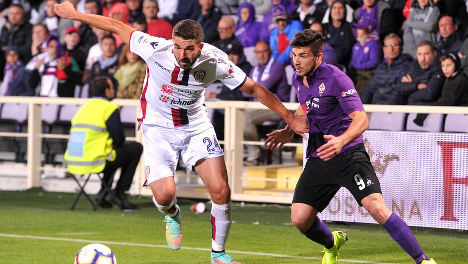 Farago (Cagliari) e Simeone (Fiorentina) ©