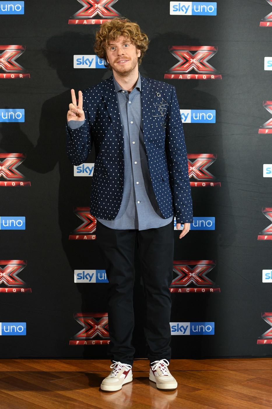 """Al via i Live di X Factor. Lodo al posto di Asia: """"Onorerò il suo lavoro"""""""