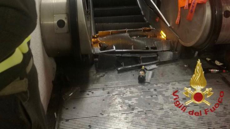 Tifosi del Cska Mosca in metro a Roma, cede scala mobile: 24 feriti, un codice rosso