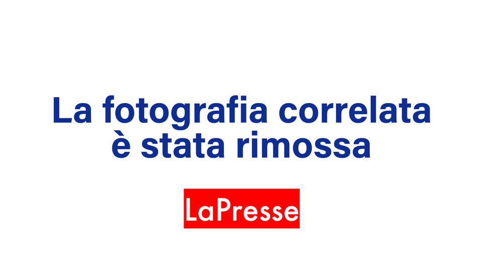 Jordi Alba festeggia il gol: 2-0 contro l'Inter ©