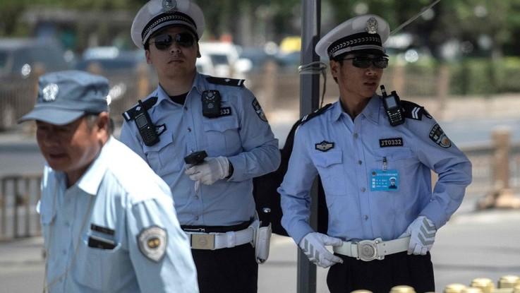 Cina, una donna attacca un asilo: 14 bambini feriti da coltellate