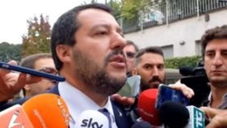 "Roma, Salvini: ""Aiuterò Raggi a sgomberare i palazzi occupati"""
