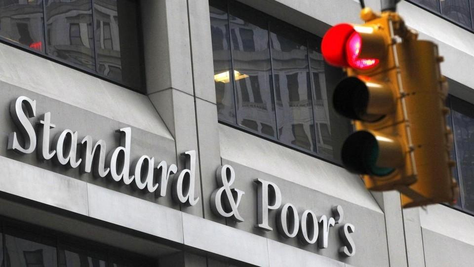Standard&Poor's conferma il rating dell'Italia (BBB) ma l'outlook è negativo
