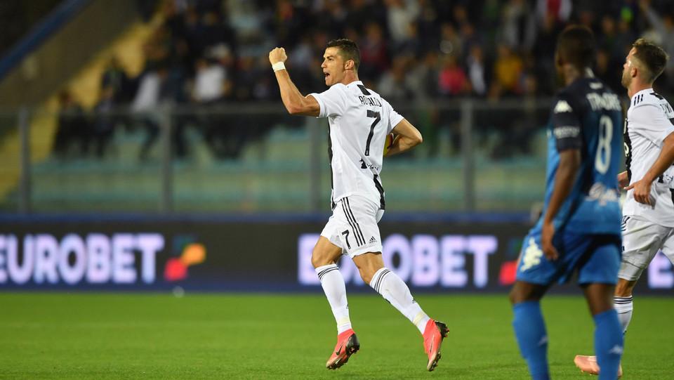 Ronaldo esulta dopo la rete del pareggio ©