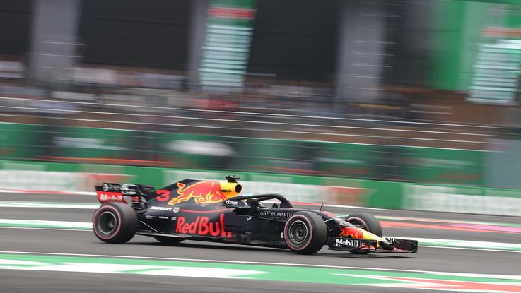 F1, Gp Messico: Ricciardo in pole davanti a Verstappen, 3° Hamilton