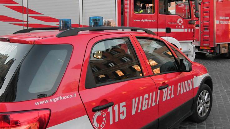 Tragedia a Crotone, frana nella notte: morti 4 operai, lavoravano alla fognatura