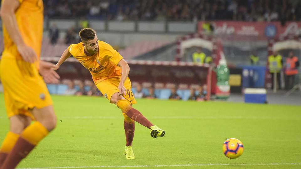 16' Un grande tiro di El Shaarawy entra in porta dopo aver toccato il palo sinistro. Roma avanti 0-1 ©