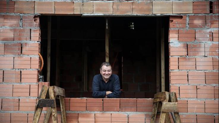 """Brasile, Bolsonaro cerca alleati: offre Battisti in """"regalo"""" a Salvini"""